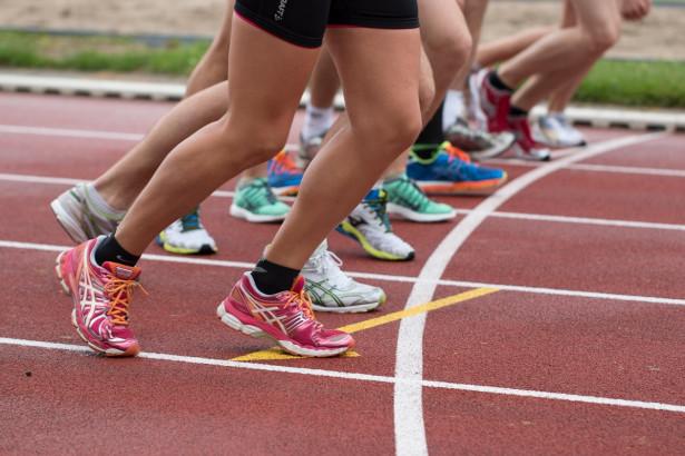 Hardlopers opgelet: Verwerk deze krachtoefeningen in jou trainingsschema